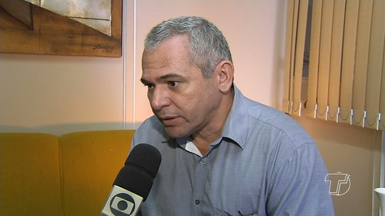 Nélio Aguiar assina decreto que proíbe nepotismo na administração pública