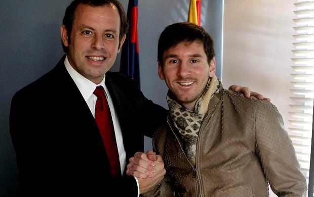 Lionel messi barcelona sandro rosell assinatura de contrato (Foto: Agência EFE)