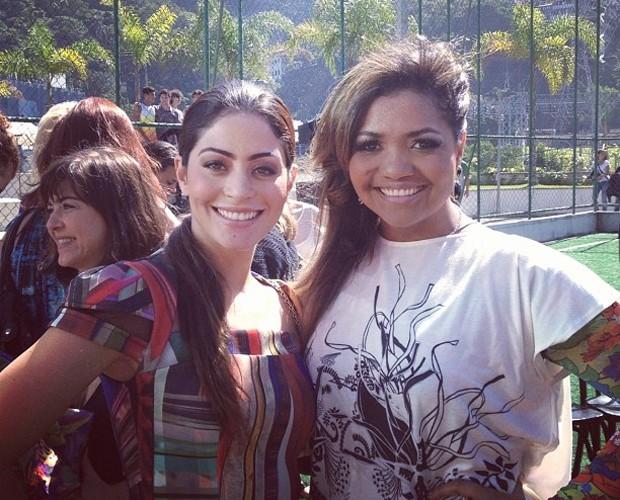 Gaby Amarantos encontrou Carol Castro e postou a foto nas redes sociais (Foto: Domingão do Faustão/TV Globo)