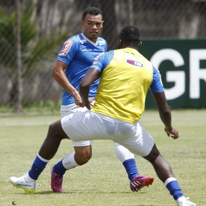 Willian e Ceará treino Cruzeiro (Foto:  Washington Alves / Light Press)