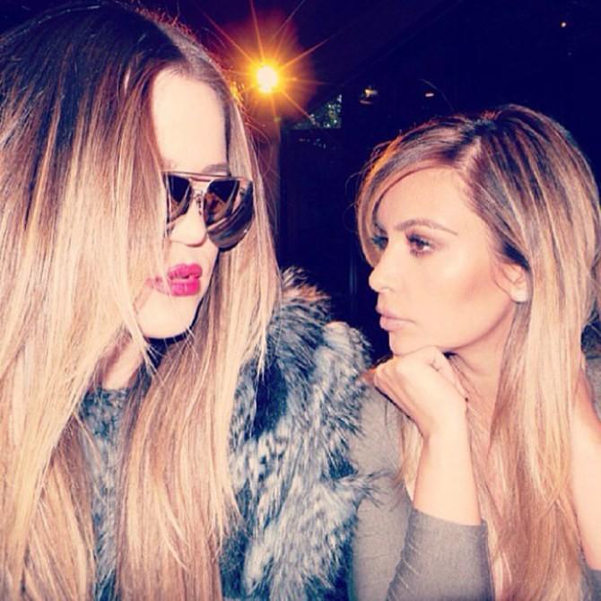 Khloé Kardashian e Kim Kardashian West (Foto: Instagram)