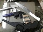 Menina de 12 anos é encontrada com drogas e armas falsas, em Macapá