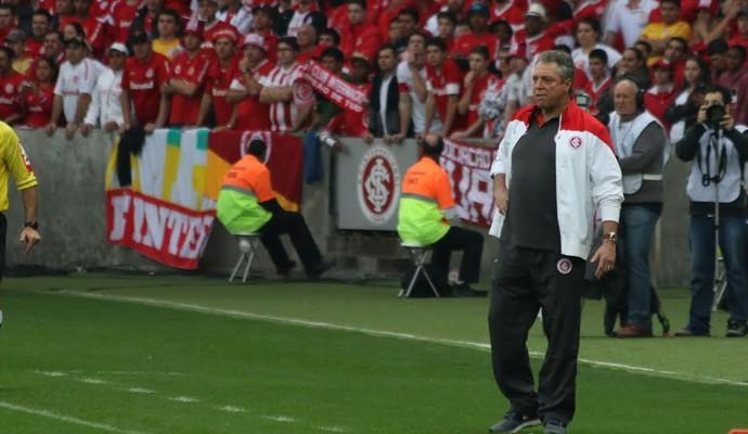 Abel Braga viu Inter ganhar na sabedoria após ser pressionado no começo do jogo (Foto: Diego Guichard/GloboEsporte.com)