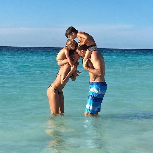 Gisele Bündchen, Tom Brady e os filhos (Foto: Reprodução/Instagram)