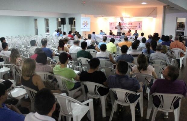 Após assembleia, bancários da Caixa decretam fim da greve em GOiânia, Goiás (Foto: Divulgação/Seeb-GO)