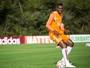 Avaí anuncia o retorno do zagueiro João Filipe, que estava no Fluminense