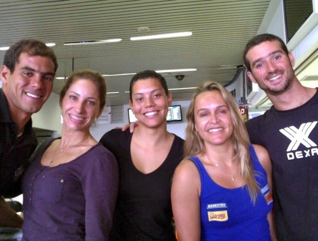 Helliton Loureiro, Maylla Venturin, Maira Viana, Neymara Carvalho e Magno Oliveira, bodyboarders do ES (Foto: Reprodução/Facebook)