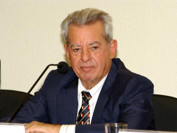 Ex-ministro e ex-senador José Eduardo Vieira morreu após uma parada cardiorrespiratória (Foto: Arquivo Folha de Londrina)