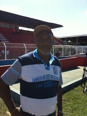 Mirandinha técnico treinador Aurora Campeonato Amador de Uberlândia (Foto: Caio Nunes)