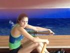 Daniela Albuquerque pratica remo em academia