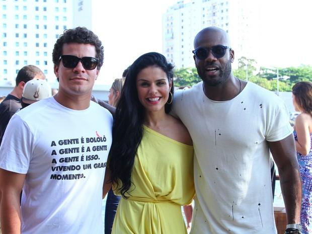 Thiago Martins, Paloma Bernardi e Rafael Zulu em festa na Zona Oeste do Rio (Foto: Anderson Borde/ Ag. News)
