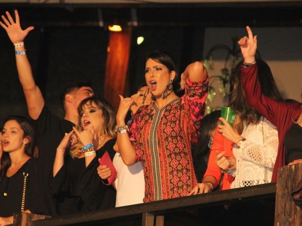 Débora Lyra em show em Vitória, no Espírito Santo (Foto: Amandio Santos/ Flash Glamour/ Divulgação)