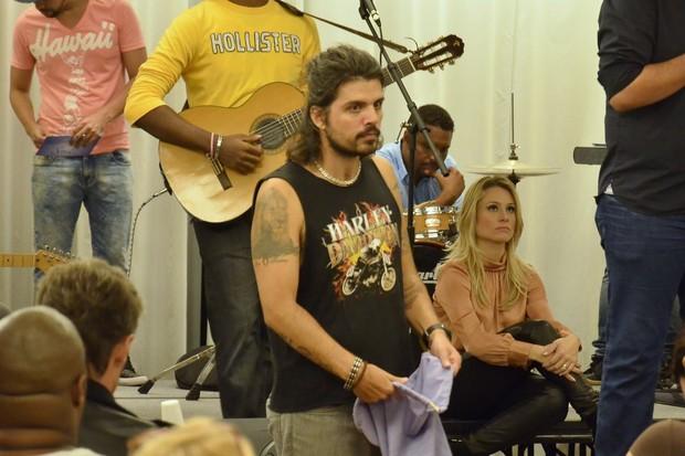 Marcus Menna no culto da Soul Church, no Rio (Foto: Roberto Teixeira/EGO)