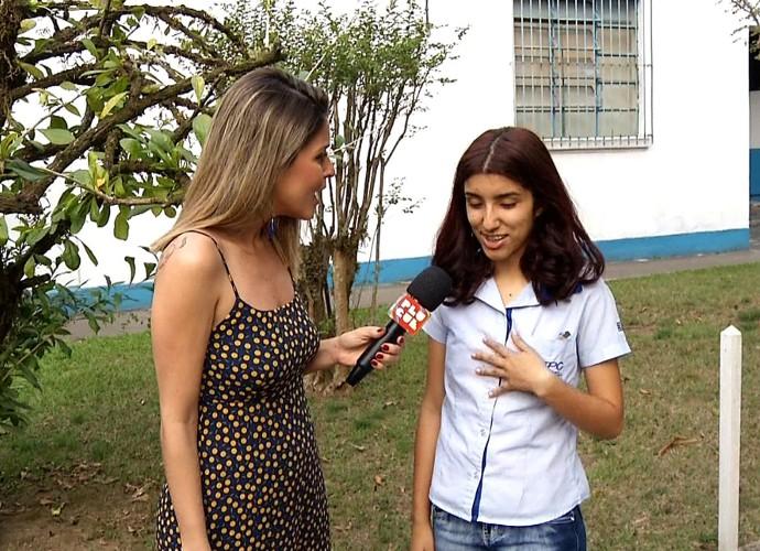 Ana Beatriz caiu na pegadinha do Plugue  (Foto: Reprodução/ Plugue )