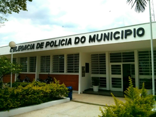 Polícia Civil de Tatuí investiga a morte da mulher (Foto: Cláudio Nascimento / TV TEM)