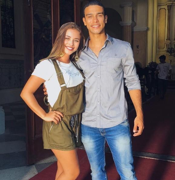 Laryssa Ayres e Sergio Malheiros em cena de 'Malhação' (Foto: Reprodução / Instagram)