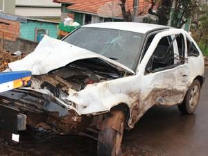 Condutor do Gol tinha 23 anos e morreu no hospital (Foto: Portal Tivi Net/Divulgação)