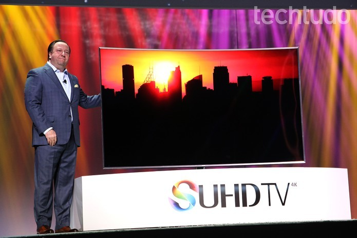 Smart TV da Samsung SUHD vem com sistema operacional Tizen (Foto: Fabricio Vitorino/TechTudo)