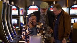 Billy Paddy, Archie e Sam são amigos desde a infância e, hoje, são senhores de idade. Quando Billy, o solteirão do grupo, decide enfim pedir em casamento sua namorada de trinta e poucos anos, ele e os amigos resolvem viajar até Las Vegas para reviver a juventude e curtir uma tremenda despedida de solteiro. O que eles não imaginavam é que a Las Vegas atual seria bem diferente da cidade que eles conheceram décadas atrás.