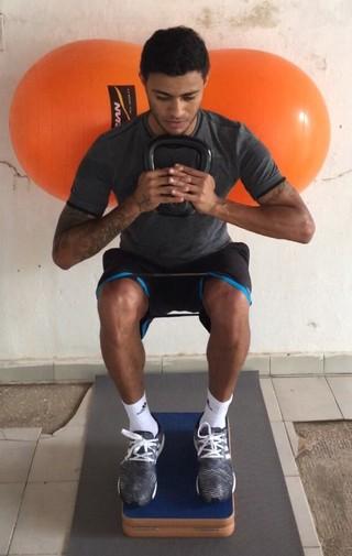 Cleiton Xavier treina no interior de Alagoas (Foto: Divulgação)