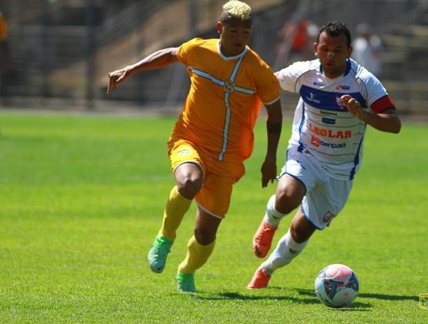 Gleidson e Diego Palhinha - Brasiliense x Águia (Foto: Cláudio Reis/Site oficial do Brasiliense)