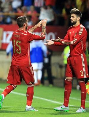 Sergio Ramos e Piqué, Espanha x Costa Rica (Foto: Agência EFE)