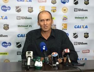 Gilmar Dal Pozzo - técnico do ABC (Foto: Augusto Gomes/GloboEsporte.com)
