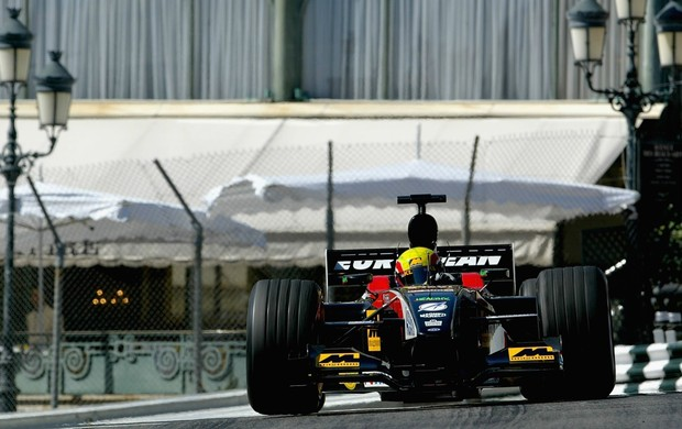 Mark Webber no GP de Mônaco de 2002 com a Minardi (Foto: Getty Images)