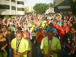 O Suvaco da Asa anima o pré-carnaval na capital do país (Foto: Divulgação)
