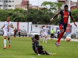 Atlético de Ibirama x Marcílio Dias Anderson Lopes Thiago Couto Nei goleiro (Foto: Flavio Roberto/CN Marcílio Dias)