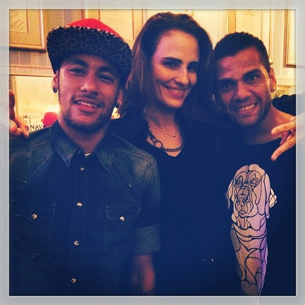 Neymar, Daniel Alves e Fernanda Tavares (Foto: Reprodução/Instagram)