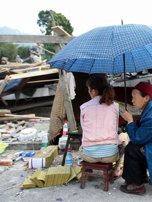 Sobe para 156 o número de  mortos em terremoto na China (AFP)
