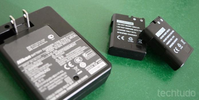 Baterias extras permitem que você fotografe por mais tempo sem preocupações (Foto: Adriano Hamaguchi/TechTudo)