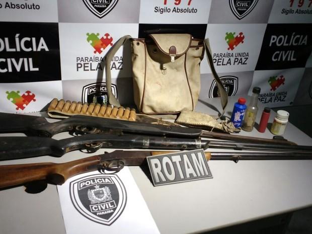 Polícia civil prendeu dois irmãos e apreendeu armas no Sertão paraibano nesta sexta-feira (15) (Foto: Rone Feitosa/Polícia Civil)