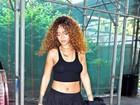 Rihanna deixa barriga à mostra em Nova York, nos Estados Unidos