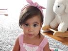 Deborah Secco mostra look estiloso da filha, Maria Flor, e fãs elogiam