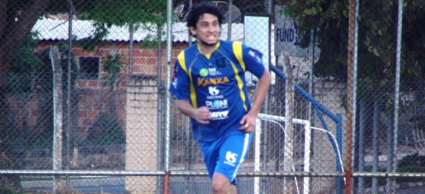 O atacante Luís, ex-Palmeiras, é um dos reforços do São José para a Série A2 (Foto: Filipe Rodrigues/ Globoesporte.com)