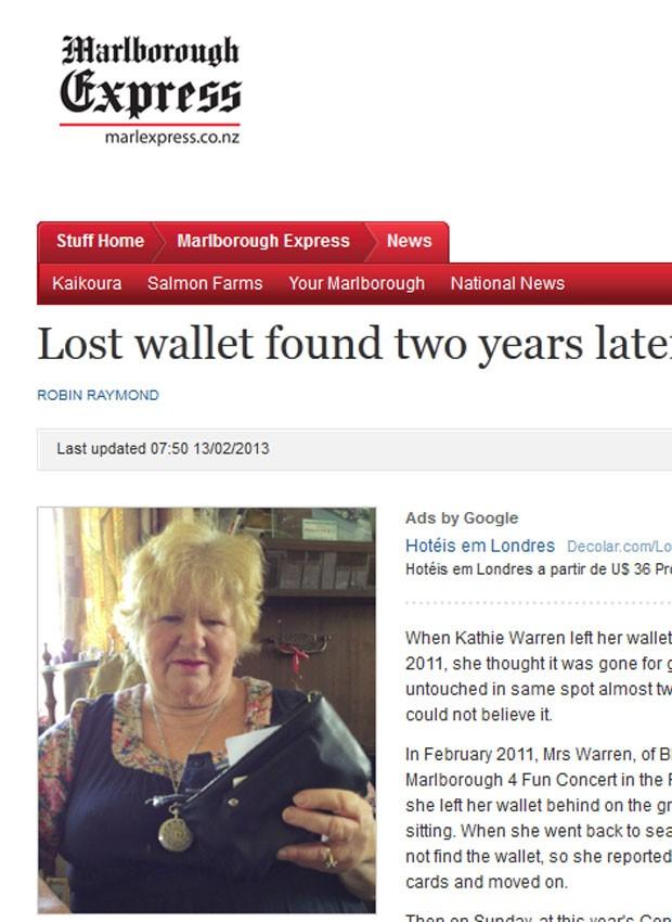 Kathie Warren recuperou sua carteira intacta dois anos depois de tê-la perdido (Foto: Reprodução)