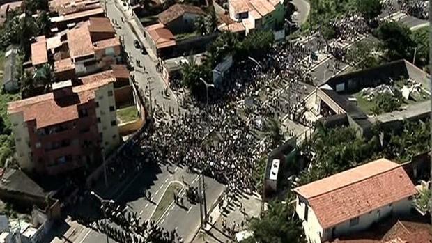 protesto castelão (Foto: Reprodução/TV Verdes Mares)