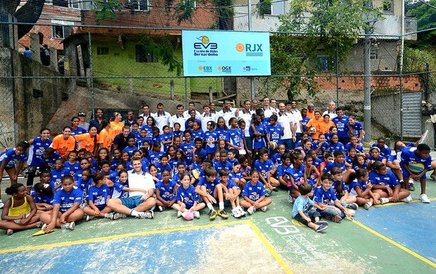 equipe Rio de Janeiro vôlei escola social no Borel  (Foto: Divulgação)