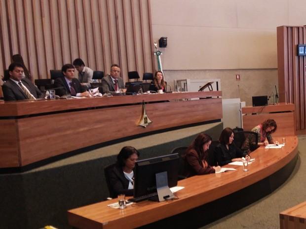 Membros da Comissão Parlamentar de Inquérito do Transporte Público do Distrito Federal (Foto: Isabella Calzolari/G1)