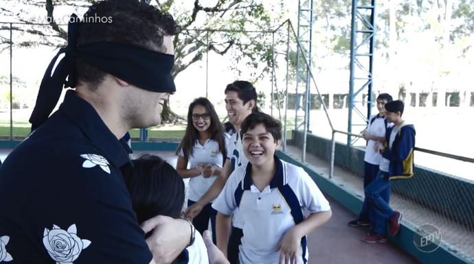 Pedro leonardo participa de atividade que ensina esportes adaptados para as crianças e adolescentes (Foto: reprodução EPTV)