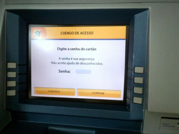 PM pega em banco 'chupa-cabra' que enviava a senha via 3G em Piracicaba (Foto: Polícia Militar/Divulgação)