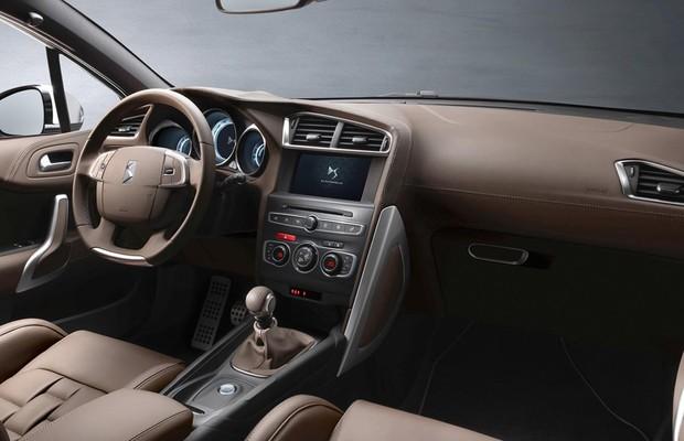 Interior do Citroën DS4 Crossback (Foto: Divulgação)