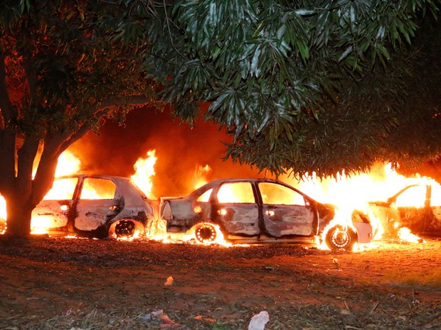 Segundo polícia, incêndio pode ter sido causado por fogos de artifício (Foto: Odair Oliveira/Sento Sé em Foco)