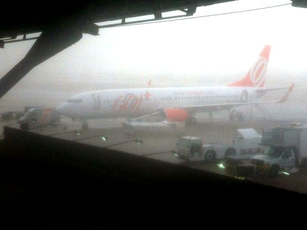 Escada de acesso aos aviões em aeroporto de MT foi derrubada (Foto: Vinicius Mania/Arquivo pessoal)
