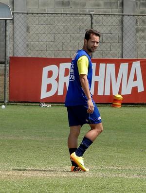 Everton Ribeiro cruzeiro treino (Foto: Gabriel Duarte)