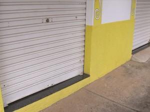 Endereço informado por Suzane Richthofen é uma loja de tecidos (Foto: Reprodução/TVTEM)