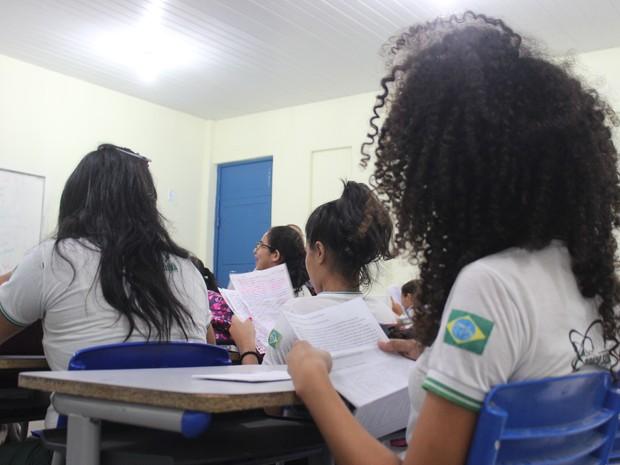 Parlamentar estudante aprende melhor sem o uso do celular (Foto: Gustavo Almeida/G1)