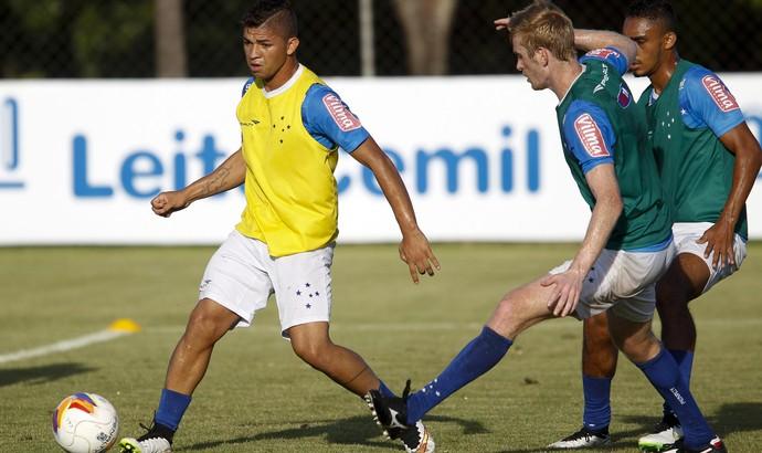 Judivan, atacante do Cruzeiro (Foto: Washington Alves/Light Press)